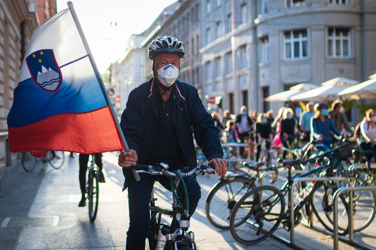 Словенија ја забрзува вакцинацијата, очекуваат есенски бран