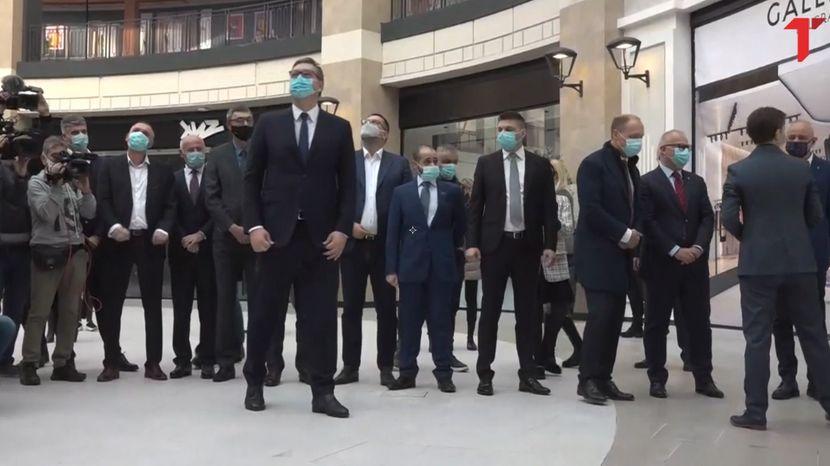 СПЕКТАКУЛАРНО: Вучиќ го отвори најголемиот трговски центар во регионот