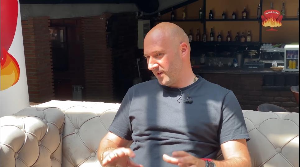 Игор Стефановски – Иџе открива дека е апсолутен противник на уличните трки и брзото градско возење: ЗА ТОА СЕ ТРКАЧКИТЕ ПАТЕКИ, А НЕ УЛИЦИТЕ (видео)
